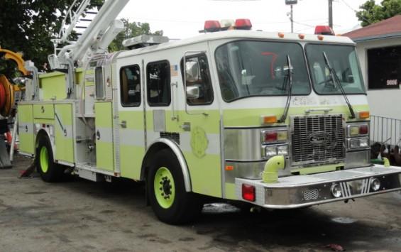 1998 Pierce Ledder Fire Truck