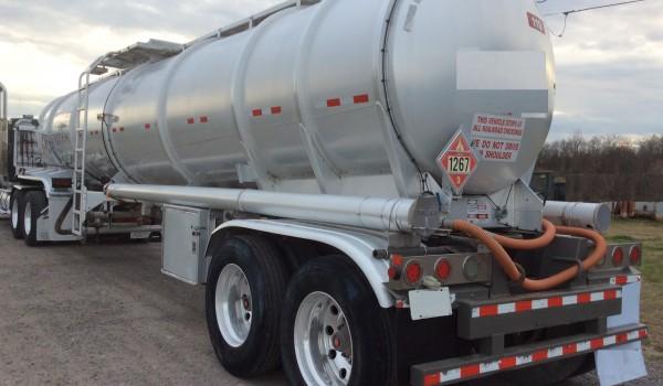 2012 Tank Trailer 8400 Gls 31000 litros